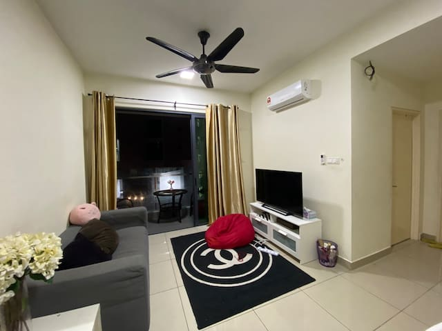 Private Room in KL (Long Term & Short Term Stays)
