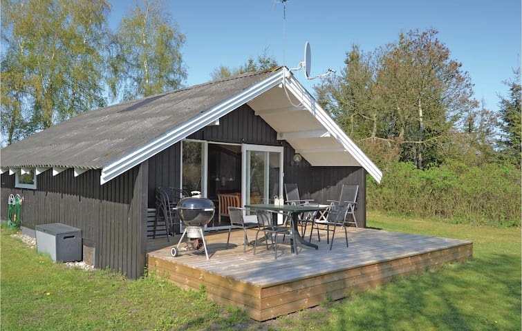 Holiday cottage with 3 bedrooms on 60m² in Hals