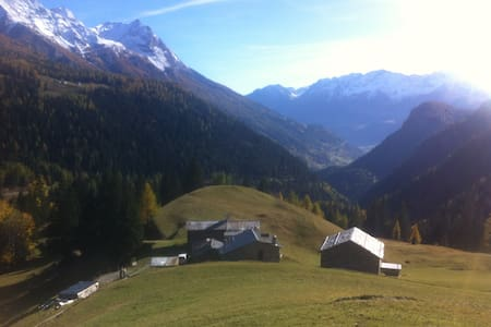 3.5 room chalet at 1644m above sea level - Poschiavo