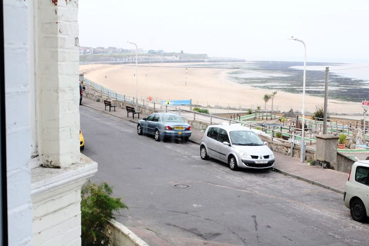 Superb Margate seafront flat with amazing views