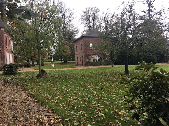 Maison dans parc 5 hectares Château de Grosfy - Hugleville-en-Caux