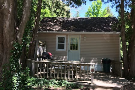 Beachway Cottages - Cottage B