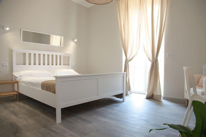 """Roma Ostiense guest house """"la via del mare"""""""