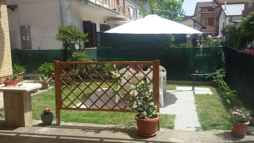 Private room near Assisi - Bastia Umbra - Flat