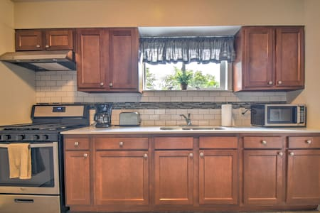 Comfortable Home Near County Line Orchard Hobart