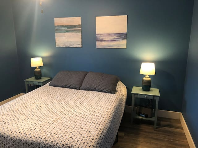 """Nautical"" bedroom"