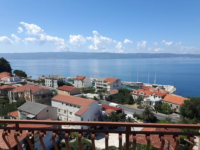 Seaview apartment one minute from the beach
