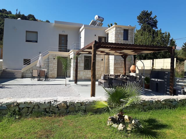 New!Renaissance Modern Stone Home at Chania Vryses