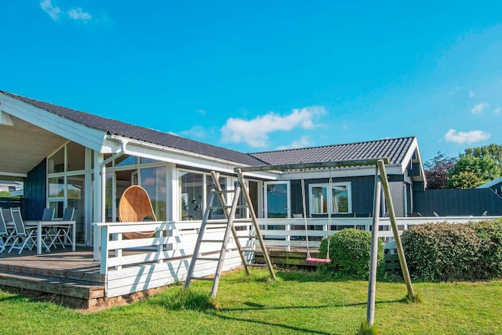 Spaziosa casa vacanze a Egernsund con vasca idromassaggio