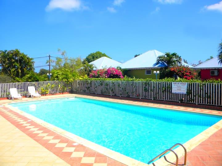 Domaine de May : Studio  avec piscine