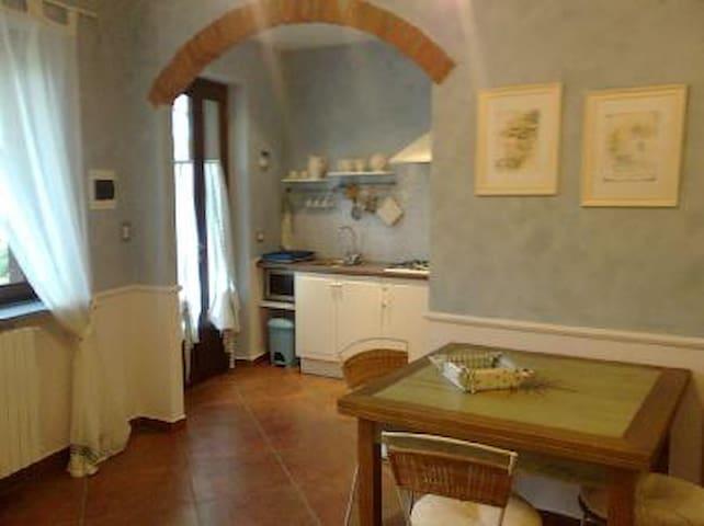 nello splendido scenario delle Alpi occitane... - Monterosso Grana