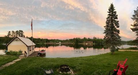 Vergeet-mij-niet-chalet op Chateaugay Lake