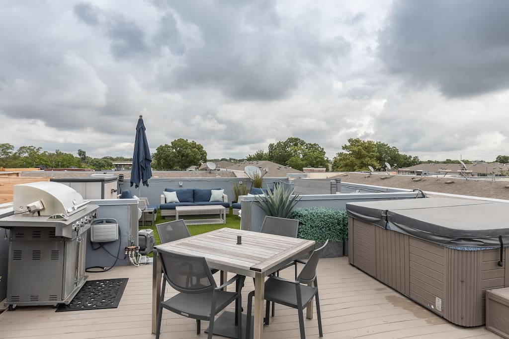 700 sq. foot rooftop patio addition