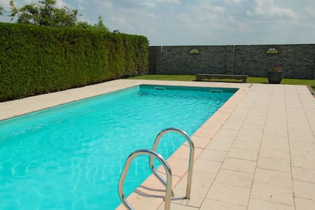 Picturesque Holiday home in Oudesluis with Swimming Pool
