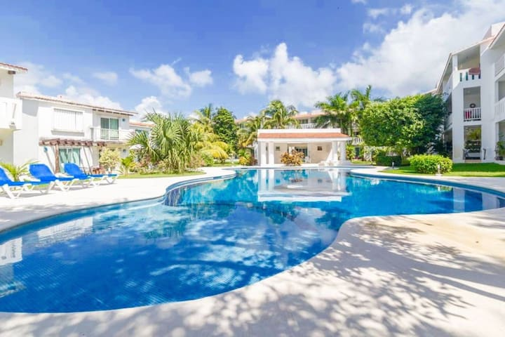 2 BR Villa, Close to Beach, Large Pool