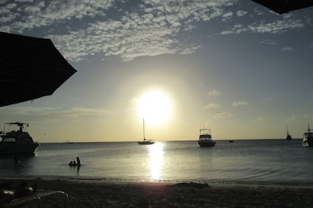 NEW Lagoon Studio # 2 walk to the beach - Oranjestad - Muu