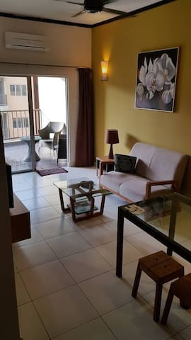 Fully aircon 2 room apartment with sea view. Enjoy