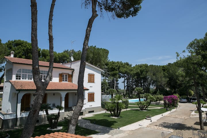 Le duchesse Bed, Breakfast and more ... - Trani - Villa