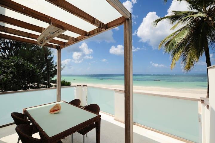 """Junior Suite Apartment """" Mbili """" Ocean Front View"""