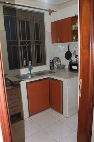 Nice room in a well equipped apartment - Kampala