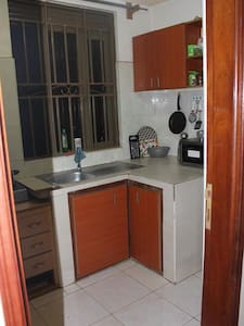 Nice room in a well equipped apartment - Kampala - Pis