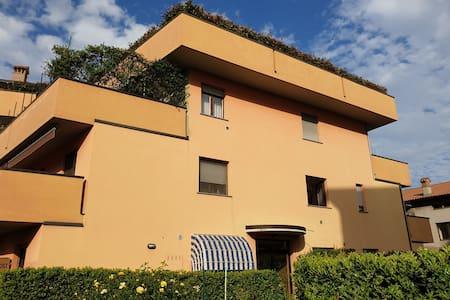 Minimal chic House con giardino privato