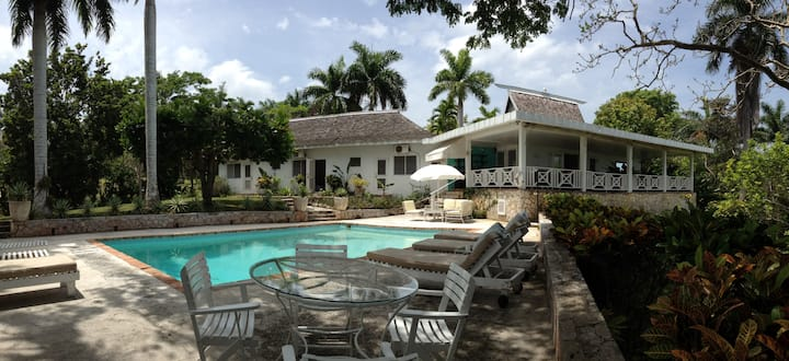 Impeccable 3-Bed Villa in Montego Bay