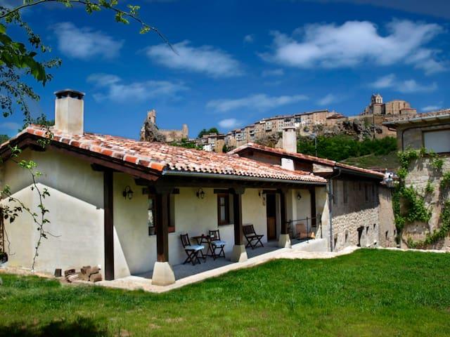 La Era de Vadillo, Casa Rural en Frías, Burgos - Frías