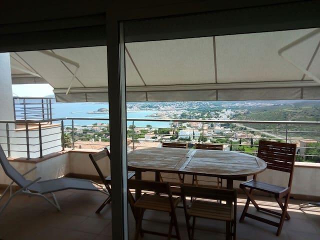 Casa unifamiliar con vistas al Puerto de Llançà