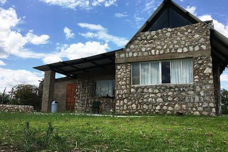 Farm bungalow 2Bedroom near Etosha Von Lindequist - Tsumeb - 小平房