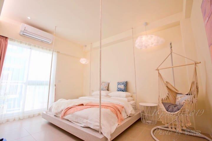 墾丁夢幻島-紅旅棧 Red Vacation Rental[精緻雙人房]附早餐 乾濕分離浴缸衛浴套房