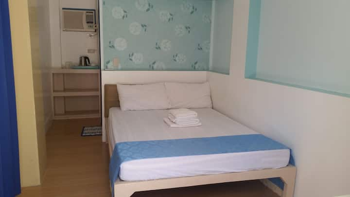 Standard room Good for 2. 3000pesos