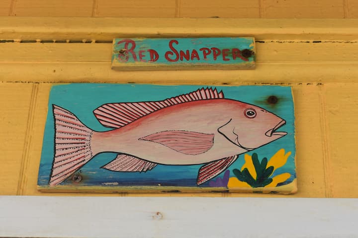 "Spacious Accommodation On the Beach- ""Red Snapper"""