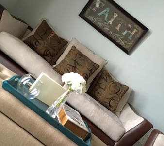 Conveniently Located Luxury Apartment - Apartamento