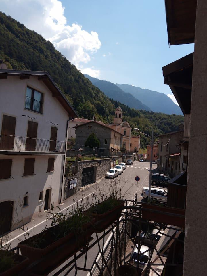 Braone e Montagna, Lago, Terme, Incisioni Rupestri