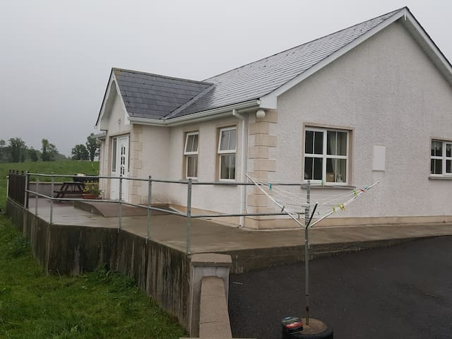 Inishmore Self Catering Cavan