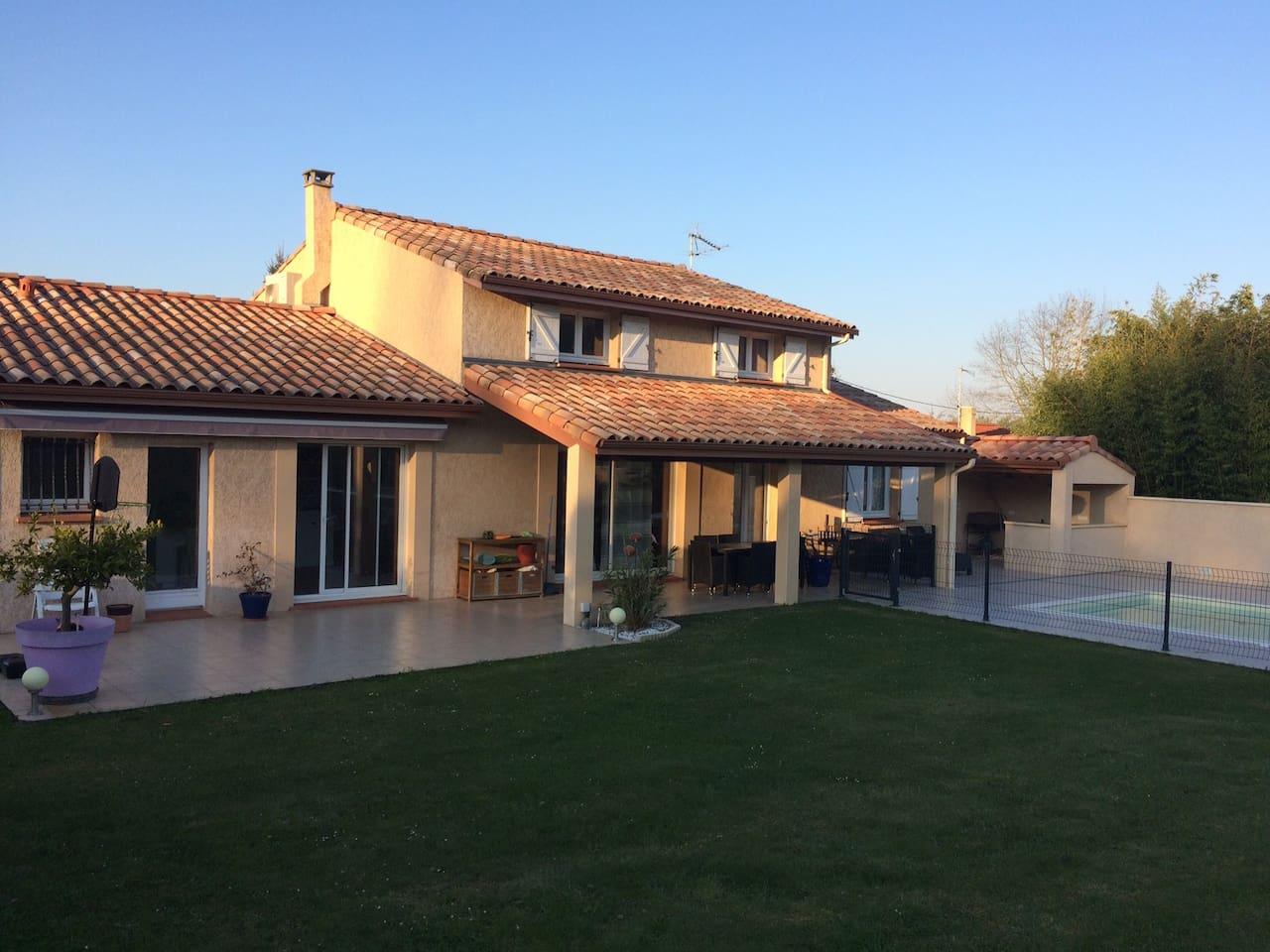 Maison avec grande terrasse exposée plein sud