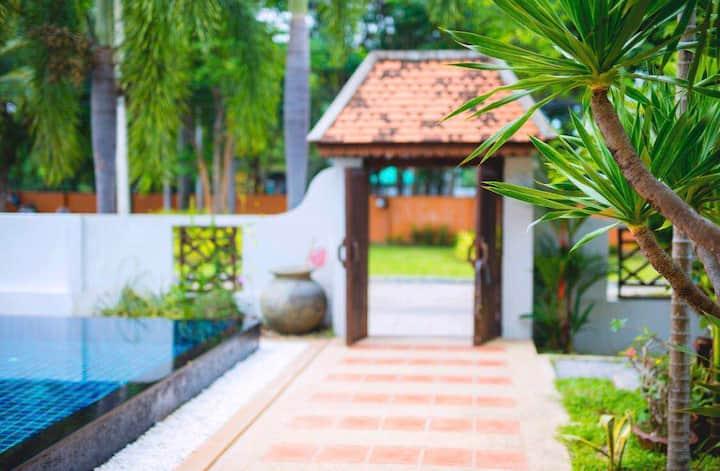 Pattaya 暹宿-好莱坞4号®闹市区5卧独立泳池别墅