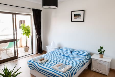 Private apartment in Surfers House - Esmoriz