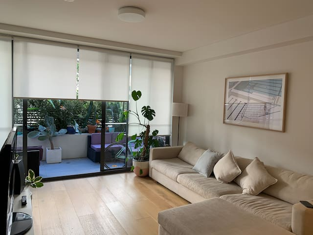Entire apartment in the heart of Erskineville