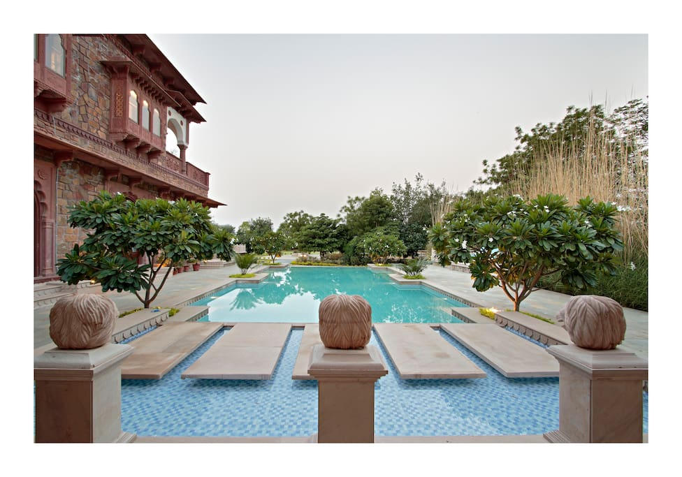 Sandstone swimming pool with deck