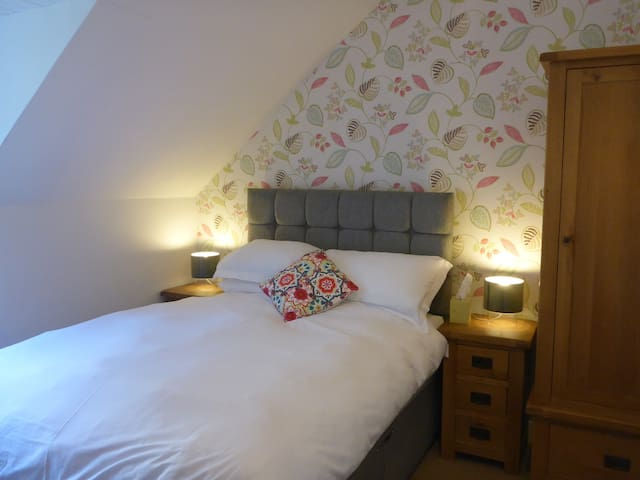 Woodbine House Room 1 (double ensuite) - Uig - Bed & Breakfast