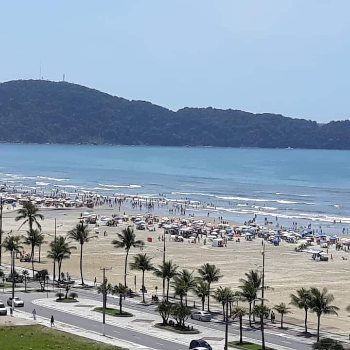 Predito de frente para praia, ótima localização..