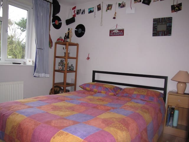 Bright, comfortable single room - Tiptree
