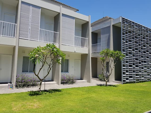 Lili Residence, clean & comfortable 10 units apt.