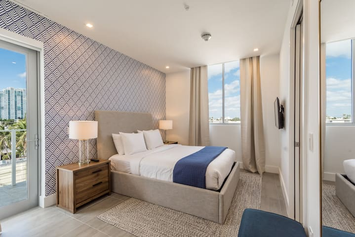 Chic 2 bedroom apt in South Beach