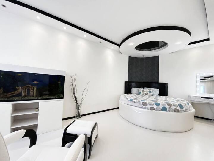 2-к квартира с уникальным дизайном, 65 м²