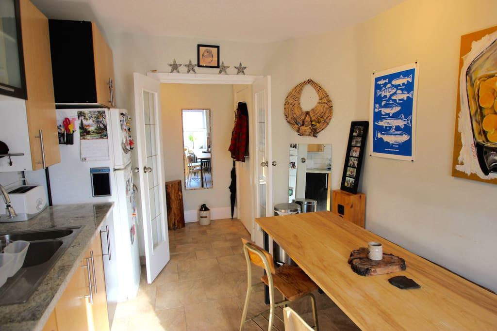 Full kitchen available with gas stove, kettle, aeropress coffee maker, toaster & fridge