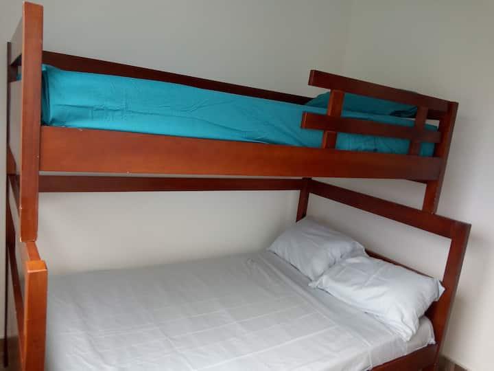apartamento completo, condominio Vallesue Flandes.