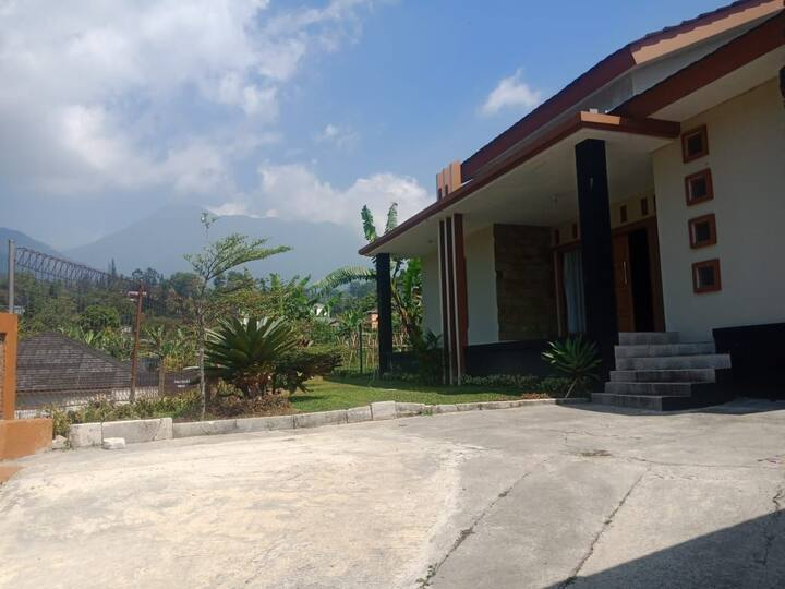 Villa Restu 5.   3 kamar puncak montain view